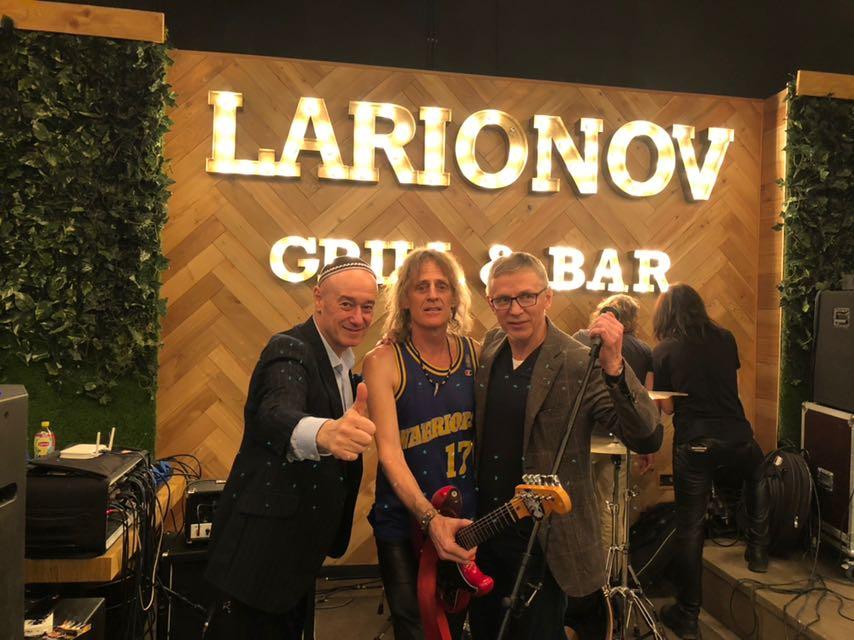 Продюсерский Центр Игоря Сандлера организовал беспрецедентный рок марафон более чем на 5 часов на открытии очередного заведения LARIONOV GRILL&BAR!