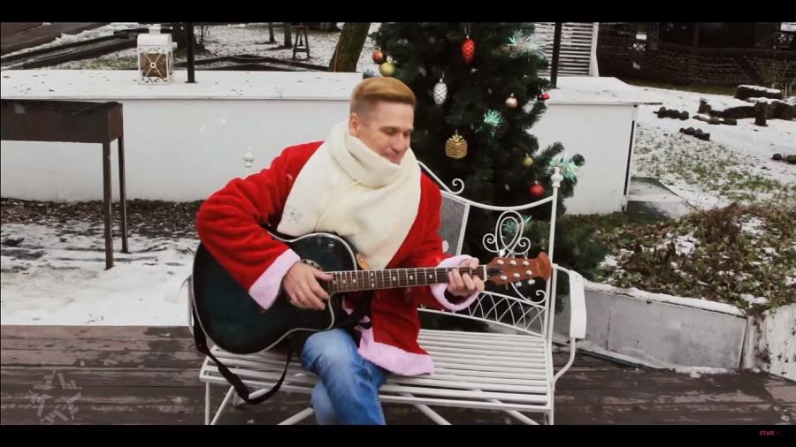 ПРЕМЬЕРА КЛИПА! 18+ / продюсер Ферапонтов в роли Деда Мороза в клипе «Моя снегурочка» / Андрей Якиманский