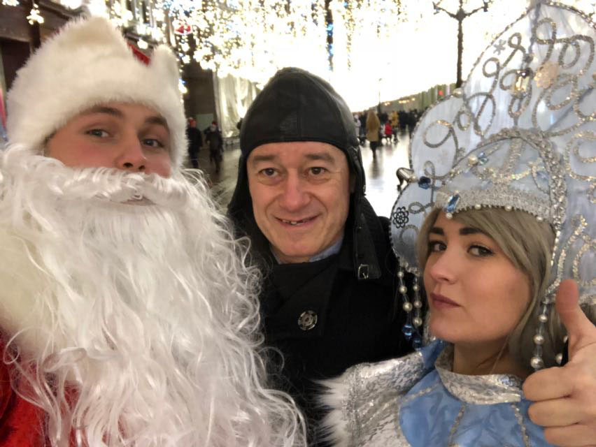 Дед Мороз, Снегурочка и Игорь Сандлер уже на КРАСНОЙ ПЛОЩАДИ!