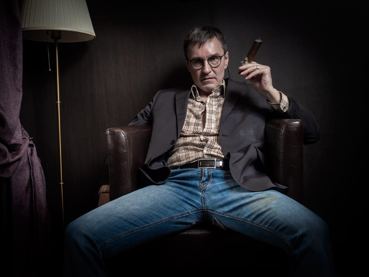 фотосессия от известного фотохудожника Марка Рассказова в салоне СИГАРЫ И ВИСКИ