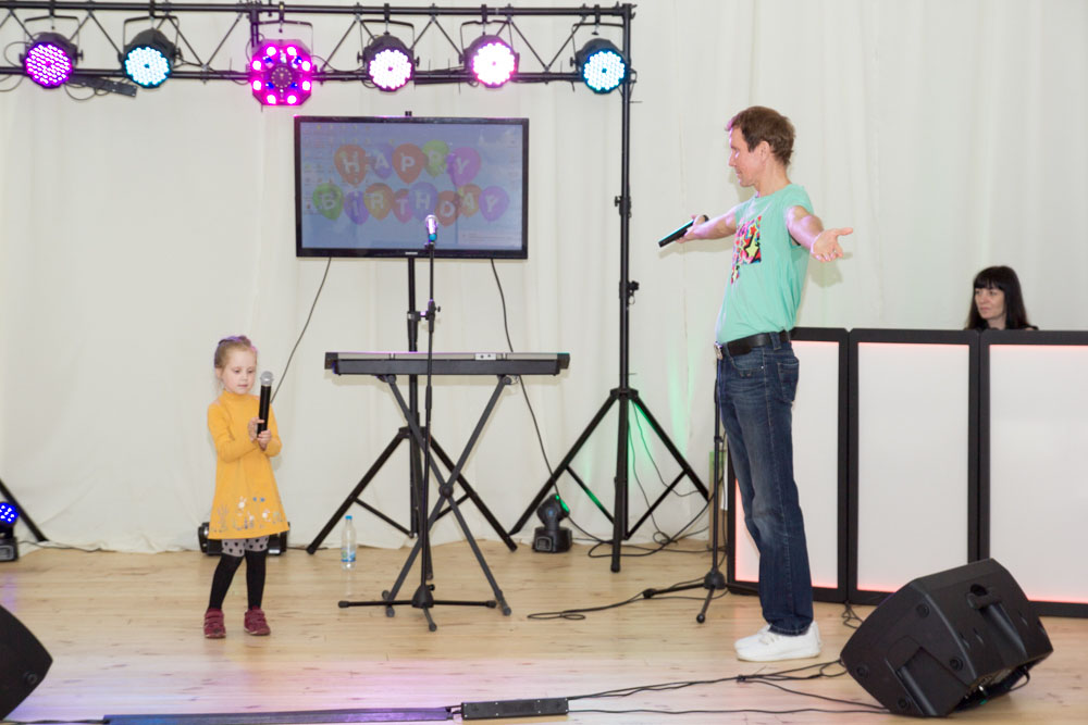 Александр Дроздов «СИНЯЯ ПТИЦА» пришёл на годовщину клуба ОЧЕНЬ ДЕЛОВЫЕ ЛЮДИ с дочерью …