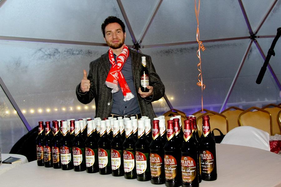 ФУТБОЛА БЕЗ ПИВА НЕ БЫВАЕТ!  пиво PRAGA поддержала акцию СВОИМИ ГЛАЗАМИ.