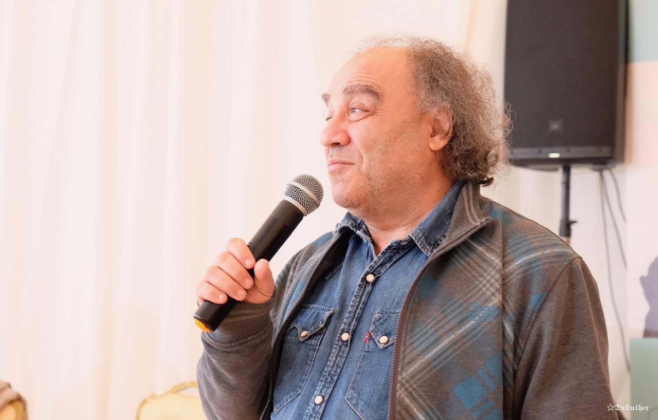 один из лучших джазовых музыкантов страны Сергей Манукян на презентации ГЕРОИ 90-х