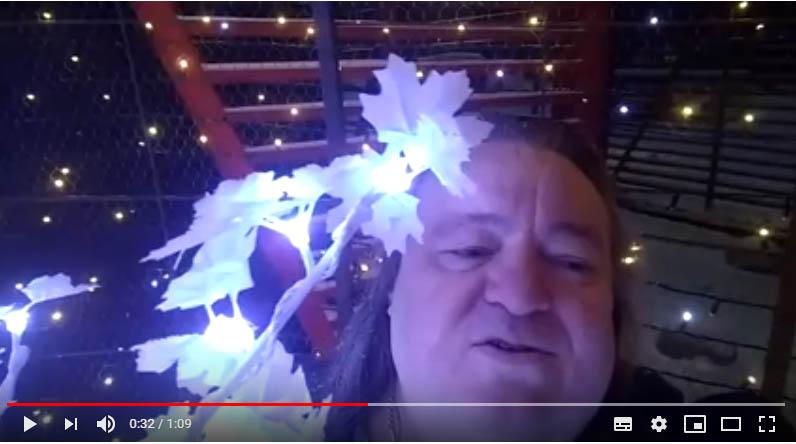 Владимир Ефимов поздравляет Вас с НОВЫМ ГОДОМ