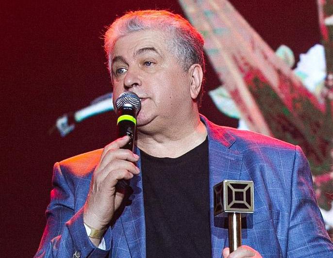 Владимир Ильичев — Обладатель премии лучший поэт песенник года по версии телеканала МЬЮЗИК БОКС!